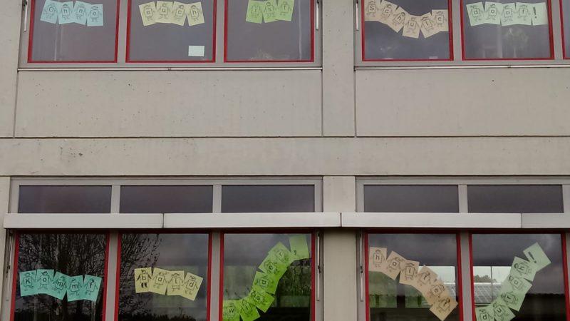 Fensterdekoration Der Drei-Franken-Schule
