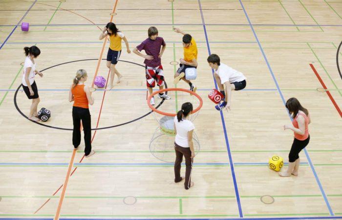 Jugendliche Beim Schulsport