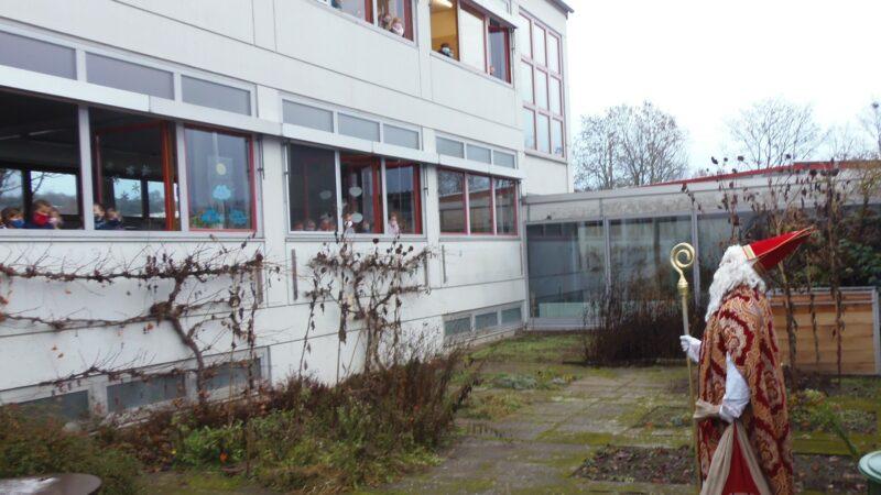 Der Nikolaus Besuchte Die Kinder In Der Drei-Franken-Schule 2020